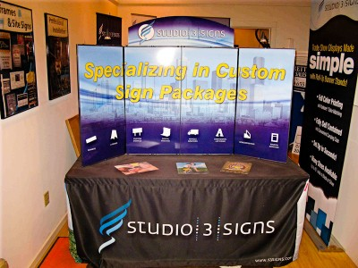 portable, custom table top display for trade shows